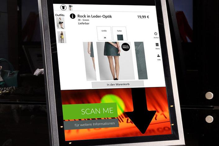 Close-Up Self Service Terminal mit Scan-und Touch-Funktion