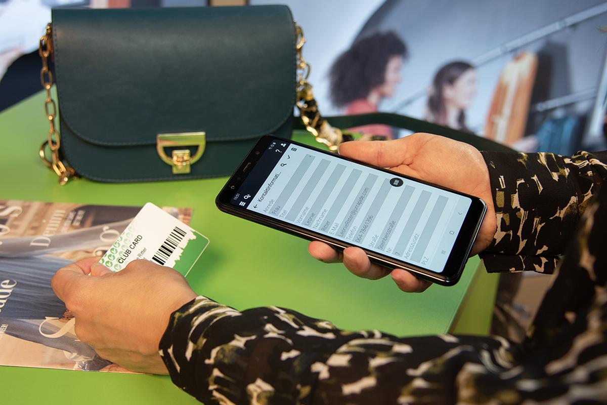 Scannen einer Kundenkarte mit InStore Assistant
