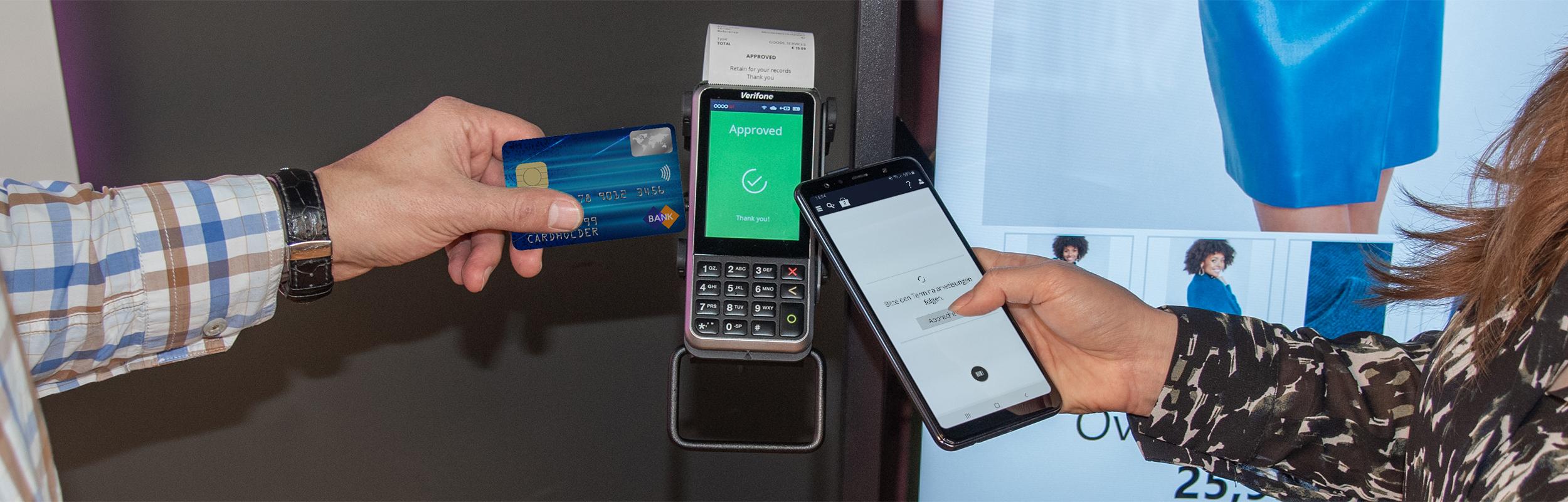 Warenkorbübergabe und Zahlungsabschluss am Self Service Terminal